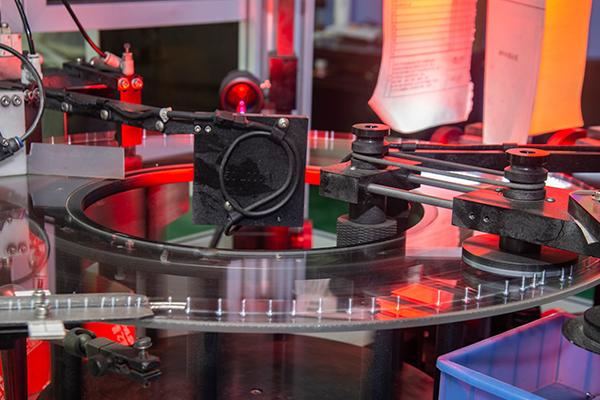 Laser Screening VS Traditional Manual Screening
